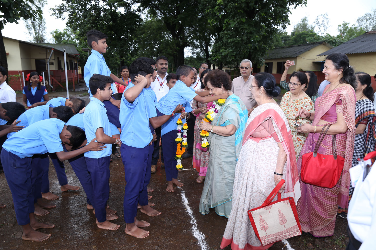 CG Ushaben receives a traditional welcome